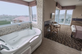 Exclusive camera doppia con vista panoramica, jacuzzi